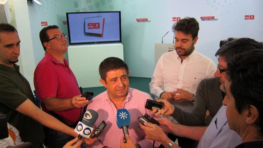 """Reyes cree que la decisión del Comité Federal ante una posible investidura representará """"a la totalidad"""" del PSOE"""
