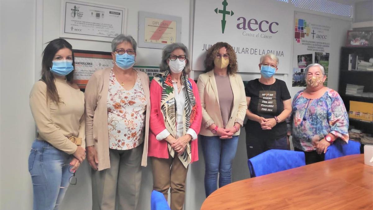 Reunión con la Asociación Española Contra el Cáncer (AECC) en La Palma.