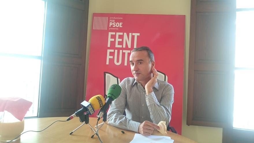 """Pons (PSOE): """"Existe una voluntad de explorar si entre los 180 'noes' hay la capacidad de investir a Sánchez"""""""