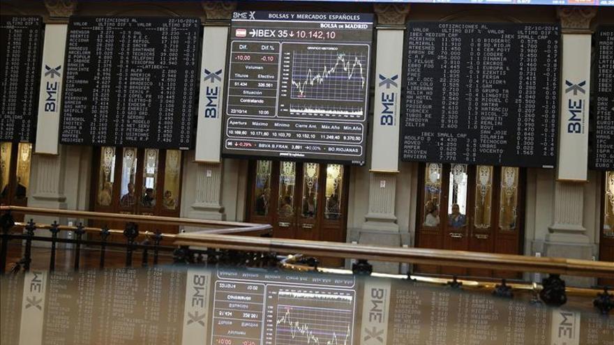 El IBEX 35 abre con una caída del 0,37 % y pierde los 10.400 puntos