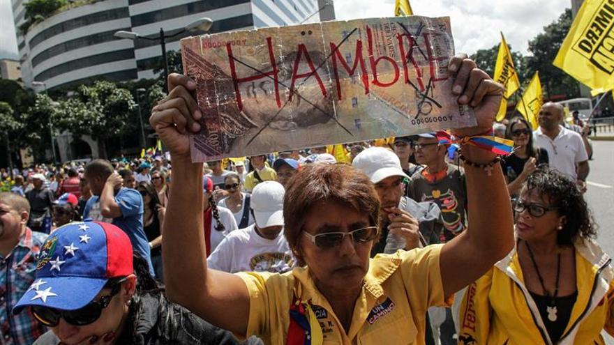 EE.UU. pide el revocatorio este año y anima a la oposición venezolana a seguir con las protestas