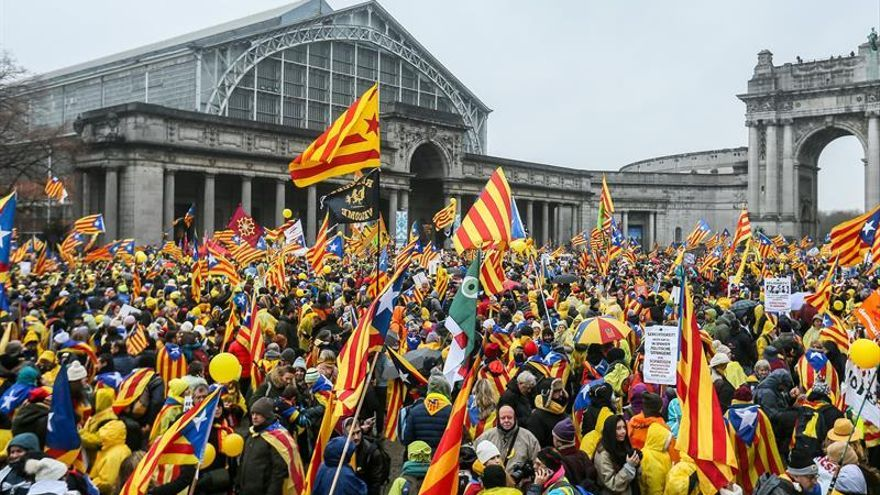Arranca la manifestación independentista con miles de personas en Bruselas