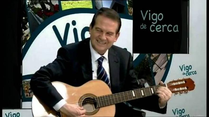 Abel Caballero canta un villancico en 'Vigo de Cerca'