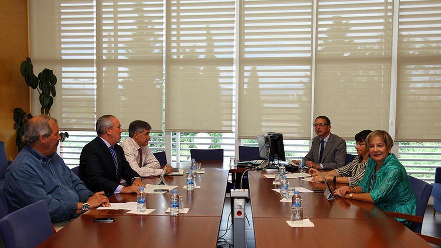 Reunión del patronato de la Fundación Hospital de Calahorra (María Luz de los Martires, a la derecha) / Foto: Eduardo Bastida (FHC)
