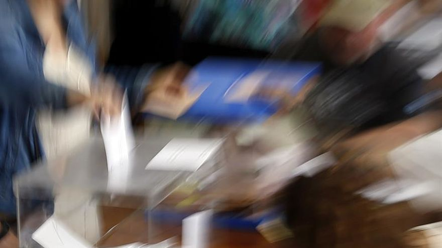 Expertos en opinión pública certifican la muerte del bipartidismo