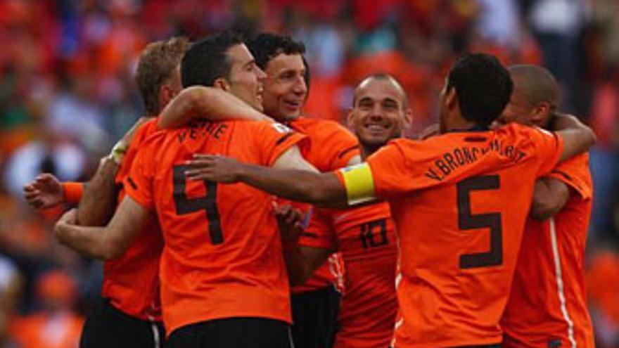 Holanda derrotó en la primera jornada a Dinamarca. (GETTY IMAGES)