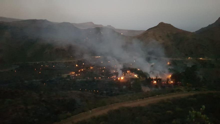 Imagen de la zona de Fataga afectada por el incendio ya estabilizado.