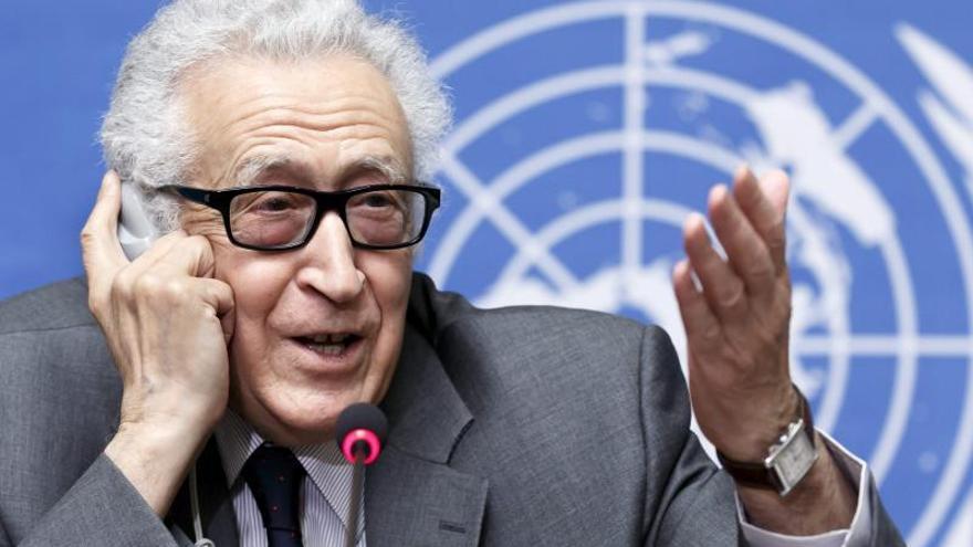 Las delegaciones sirias reanudan las negociaciones en Ginebra con los prisioneros como punto central