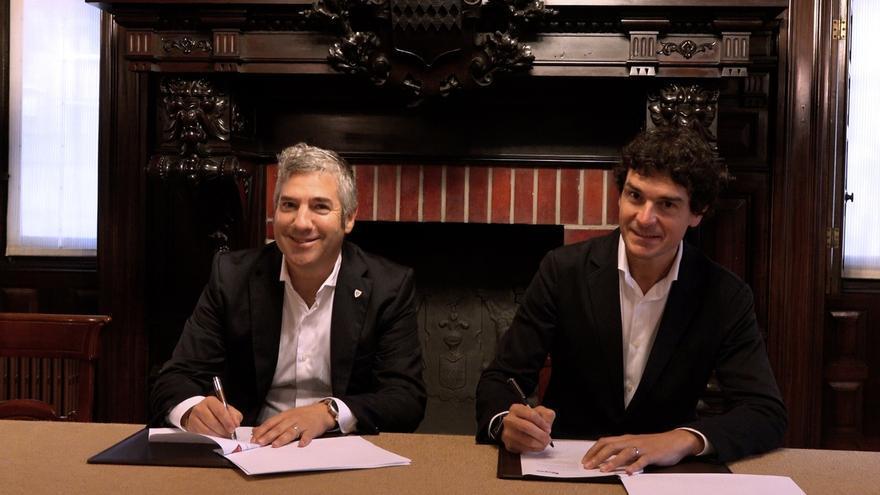 La Diputación de Bizkaia y el Athletic firman un acuerdo para impulsar valores del deporte entre los más pequeños
