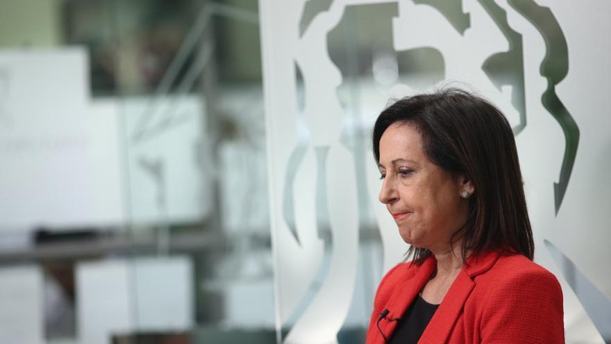 """Margarita Robles acusa al PSOE de """"secretismo"""" en las negociaciones con el Gobierno y de marginar al grupo parlamentario"""