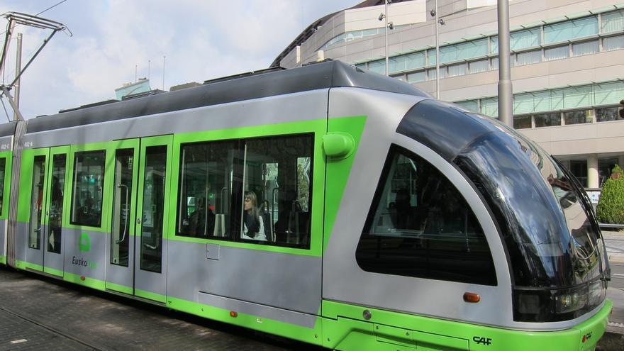 Euskotren ofrecerá servicios especiales y cortará el tranvía parcialmente por el partido Athletic-Espanyol