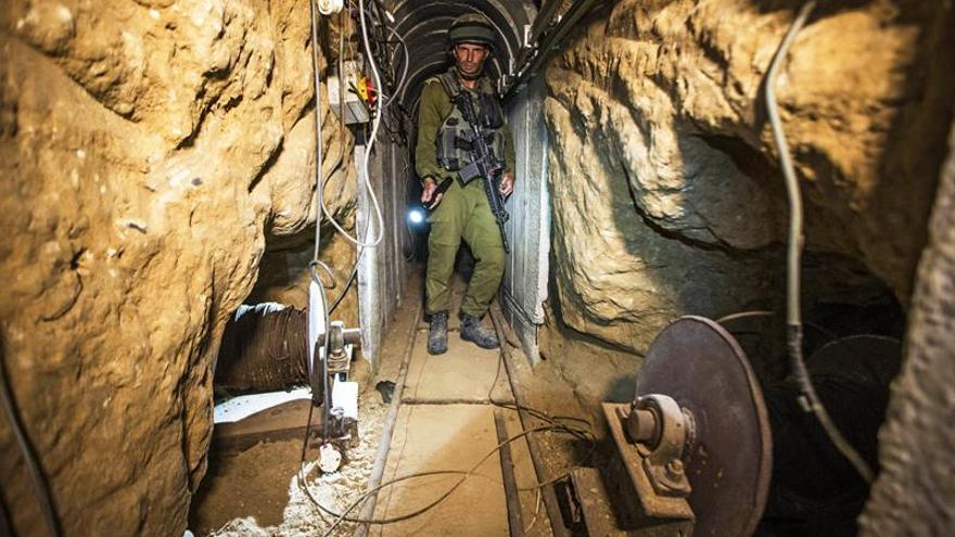 Cuatro palestinos muertos y uno desaparecido en el derrumbe de túnel en Gaza
