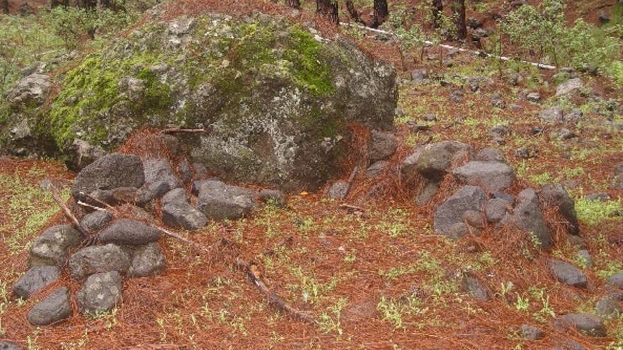 Restos de mi cabaña junto a la Fuente del Pino (El Riachuelo).