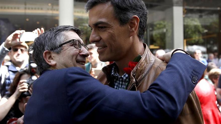 Díaz y López llaman a la unidad, mientras Sánchez sigue centrado en Cataluña