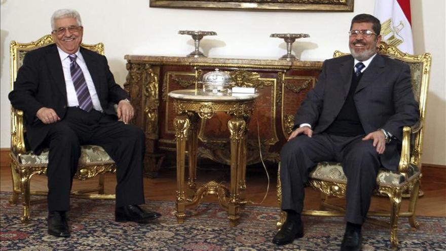 Mursi y Abás denuncian agresiones israelíes que dificultan el proceso de paz