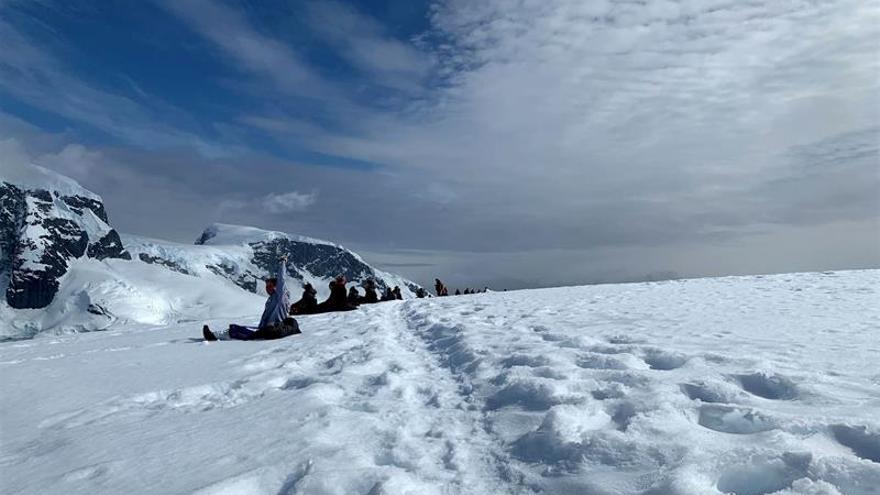 Ochenta líderes científicas descubren el sonido del silencio de la Antártida