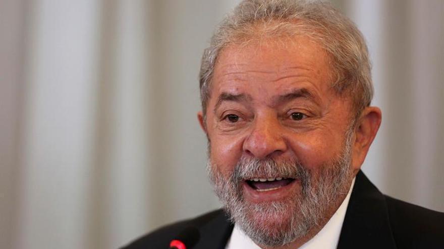 Lula lidera la intención de voto en Brasil pero sería vencido en segunda vuelta
