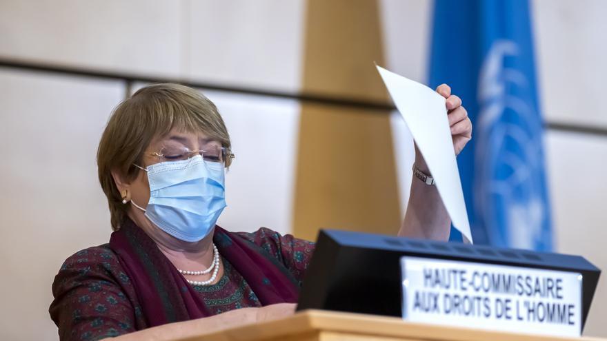 Bachelet dice que preocupan los ataques a la justicia transicional en Colombia