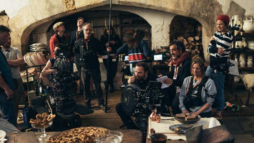 El director Yorgos Lanthimos en el set de 'La favorita'. Foto de Atsushi Nishijima