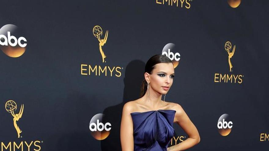 Las celebridades incendian la alfombra roja de los Emmy con sus propuestas