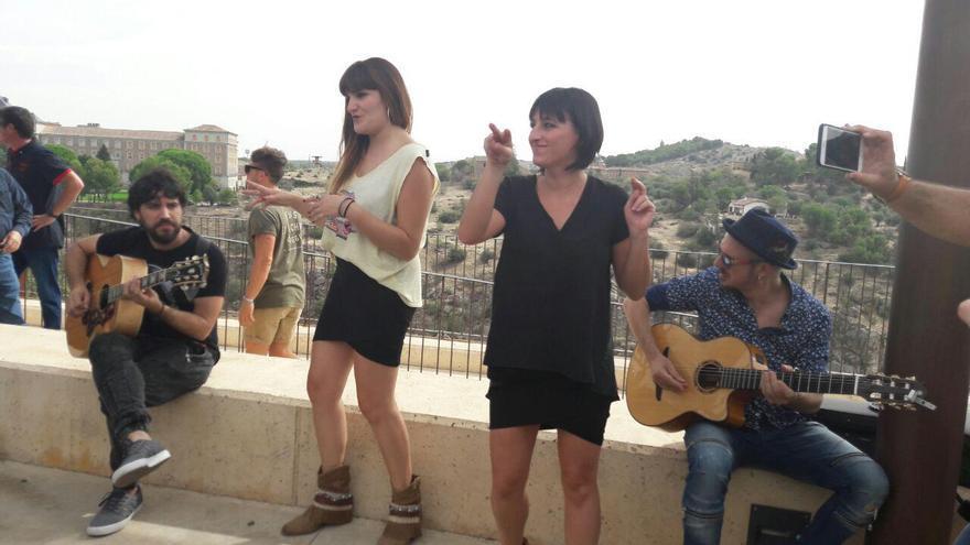 Concierto-sorpresa de Rozalén en Toledo