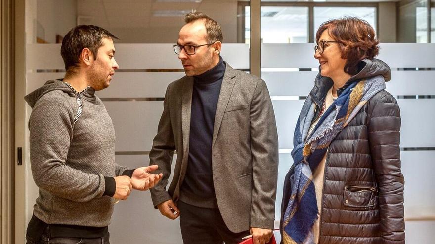 PSOE aborda con UGT y CCOO la recuperación y desarrollo del polígono La Vega