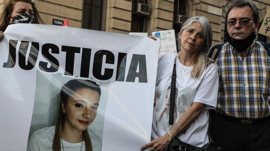 """Frente a los tribunales y tras el femicidio de Úrsula, miles de mujeres volvieron a exigir """"Ni Una Menos"""" en todo el país"""