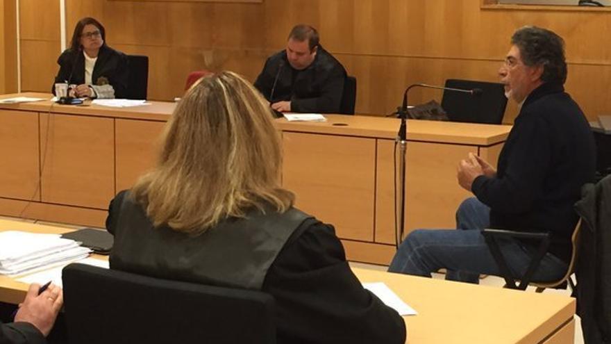 Miguel Delgado, exalcalde de Arona, durante su declaración este lunes en el juicio