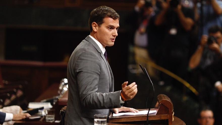 """Rivera avisa de que a partir de ahora solo apoyarán la investidura """"de algún candidato del PP"""" si es viable"""