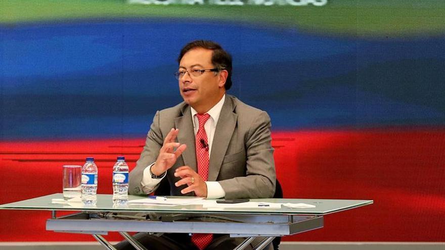 Gustavo Petro dice que la política internacional de Colombia es apéndice de EE.UU.