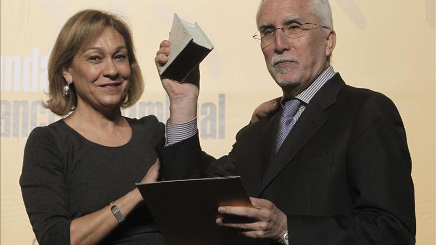 La Comunidad de Madrid dice que intenta colocar a parados con y sin subsidio