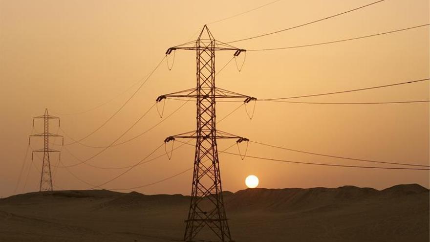 Egipto subirá una media de 26% el precio de electricidad en medio de la crisis