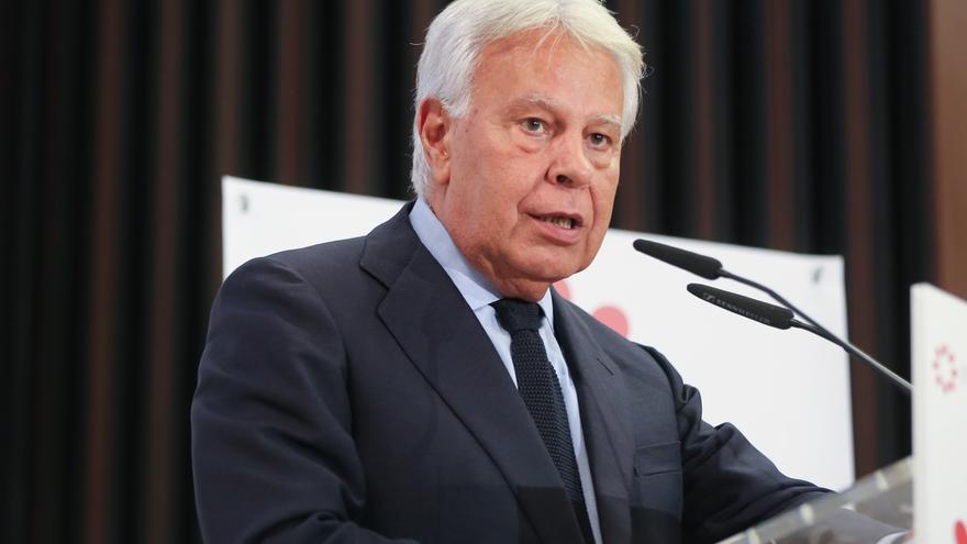 Felipe González encabezará la delegación socialista en el funeral del expresidente de Portugal Mário Soares