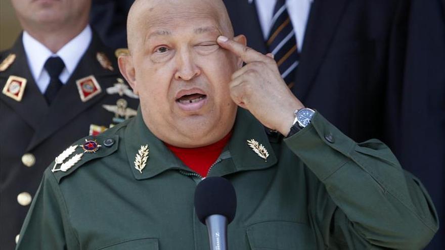 Cinco exagentes cubanos viajarán a Venezuela para rendir homenaje a Chávez