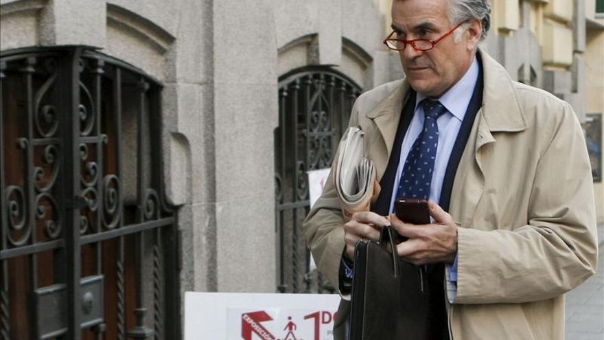 Bárcenas avisó al banco de sus problemas judiciales.