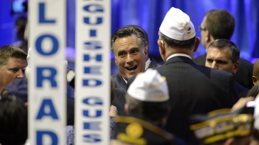 Romney acusa a Obama de debilitar la seguridad del país ante veteranos