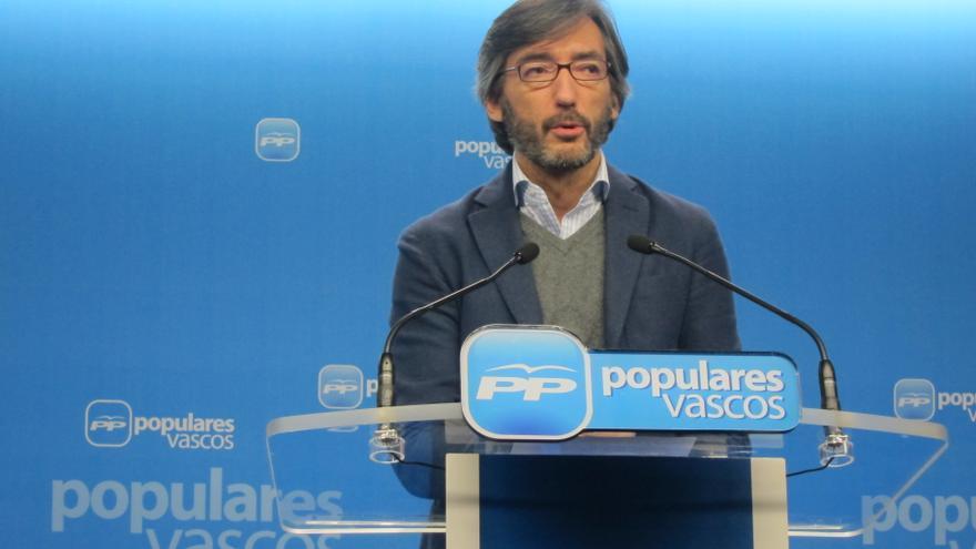 """Oyarzábal dice que, pese a la """"proyección"""" de bajas como la de Abascal, el PP vasco """"crece"""" y está """"respaldado"""""""