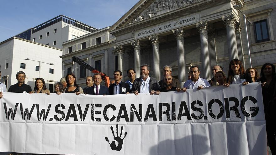 """El presidente de Canarias insta a Rajoy a intervenir en el debate de las prospecciones porque es un """"asunto de Estado"""""""