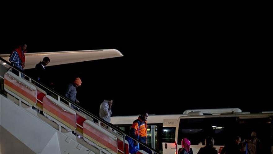 Llegan a Madrid desde Italia los primeros refugiados que acoge España