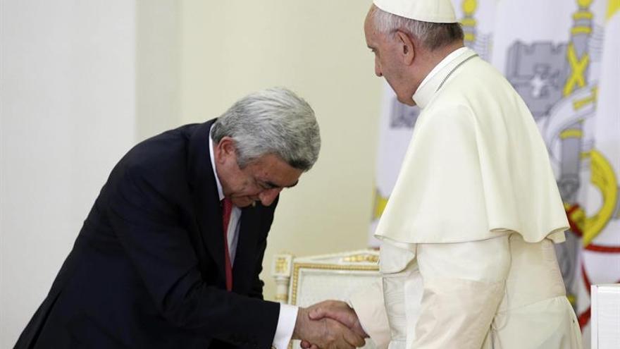 """El presidente de Armenia dice ante el papa que el genocidio es una """"realidad innegable"""""""