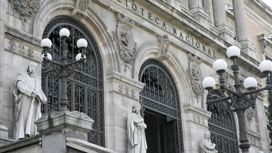 Los sindicatos alertan de la elevada externalización de la Biblioteca Nacional