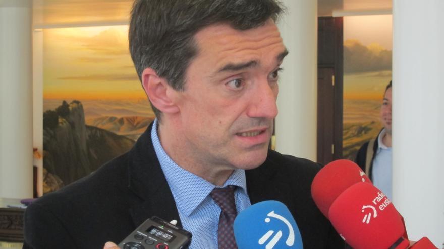 """Jonan Fernández reconoce """"cierto atasco en el proceso de paz"""" y pide al Gobierno central buscar """"consenso"""" con Euskadi"""
