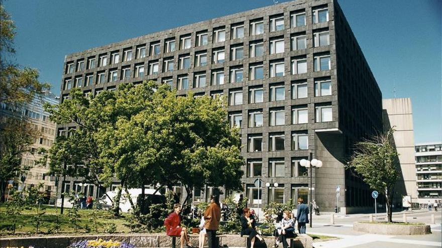 El Banco Nacional de Suecia baja los tipos de referencia a -0,10 %