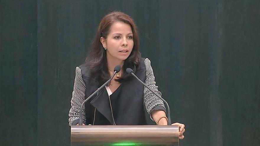 Erika Rodríguez durante una intervención en el pleno del Ayuntamiento de Madrid.