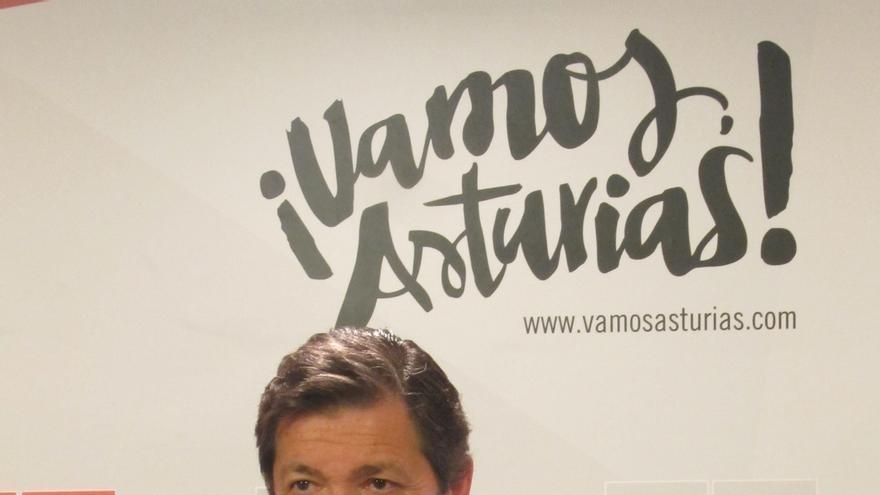 Javier Fernández (PSOE) comenzará a reunirse con otros partidos asturianos el lunes