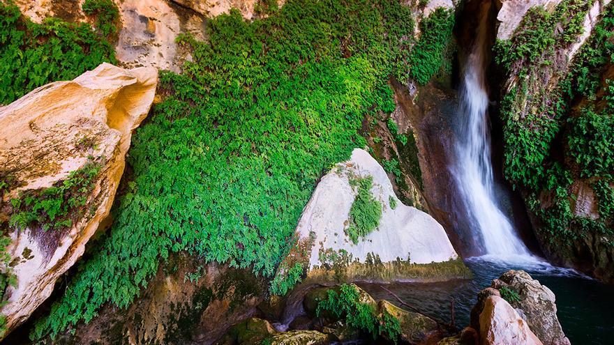 La Cueva del Agua de Tíscar, misterio y paraíso en la Sierra de ...
