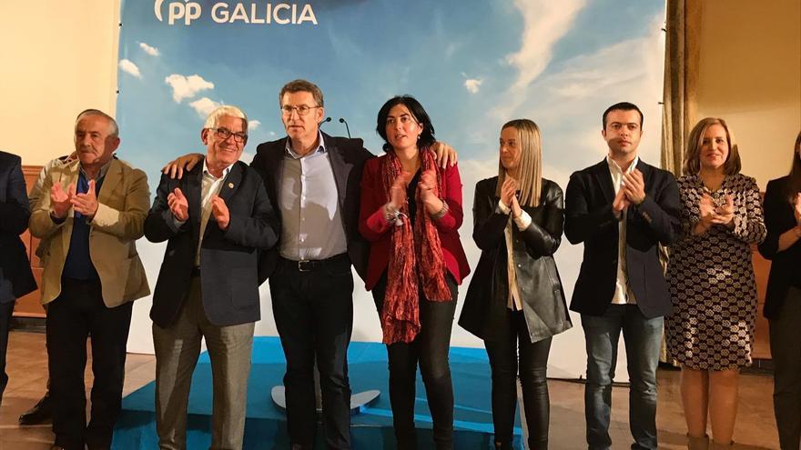 Feijóo en un mitin en Vilalba la pasada semana con el hasta ahora alcalde Agustín Baamonde, a su izquierda