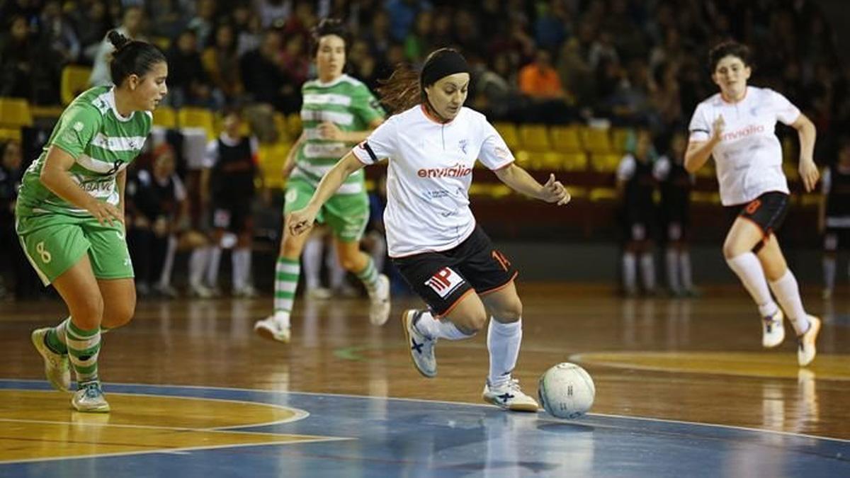 Sara Moreno, en un partido con el Ourense Envialia.