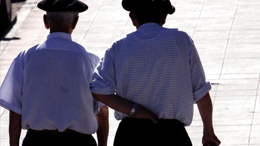 Las pensiones futuras serán más bajas y los salarios medios sufrirán más, según la OCDE