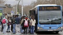Amenaza de huelga de los trabajadores de la EMT al nuevo Gobierno tras siete años sin paros en los autobuses madrileños.